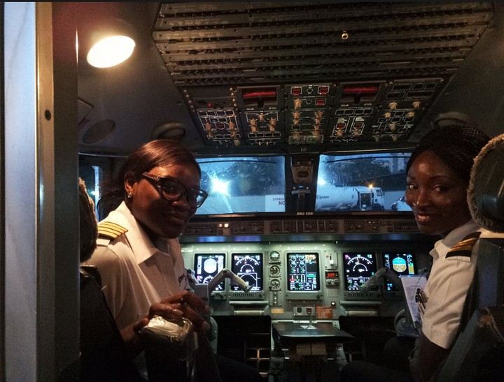 Two Female Pilots Smiles After Flying Passengers From Abuja To Lagos (Photos)