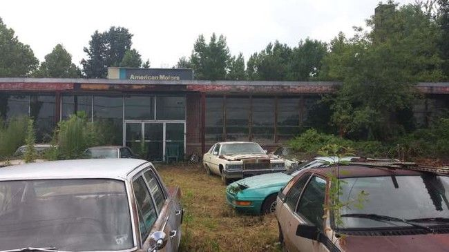 amazing images of abandoned car dealership and cars around the world autos nigeria. Black Bedroom Furniture Sets. Home Design Ideas