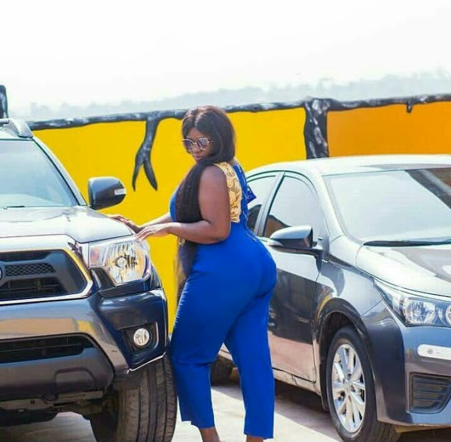 HOT C!eavage-Baring- Tracey Boakye Celebrates Her Birthday