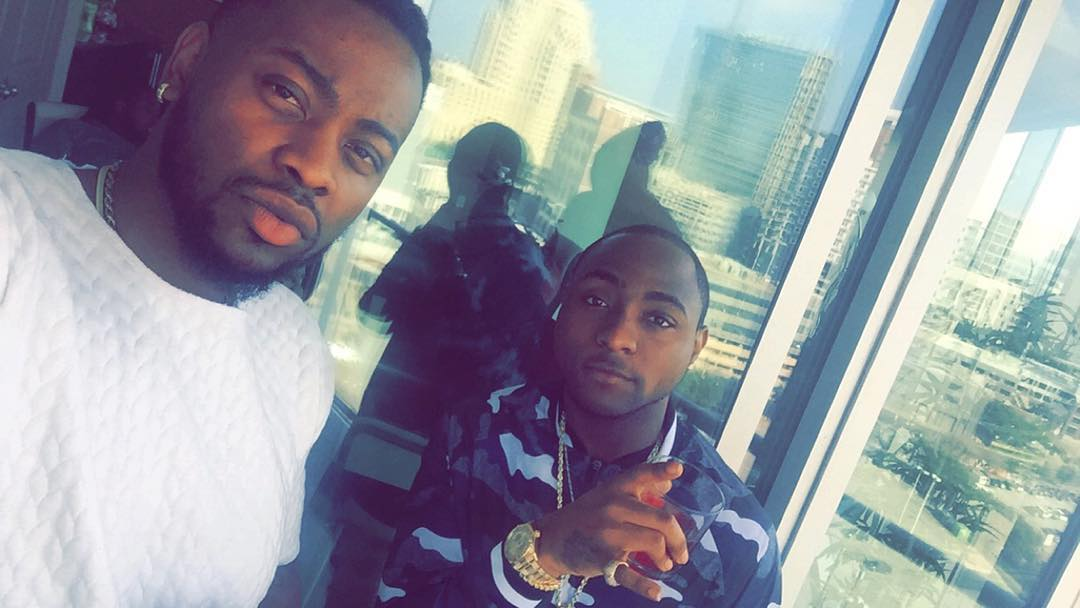 BBNaija house mate Teddy A spotted with Phyno and Davido - Report Minds