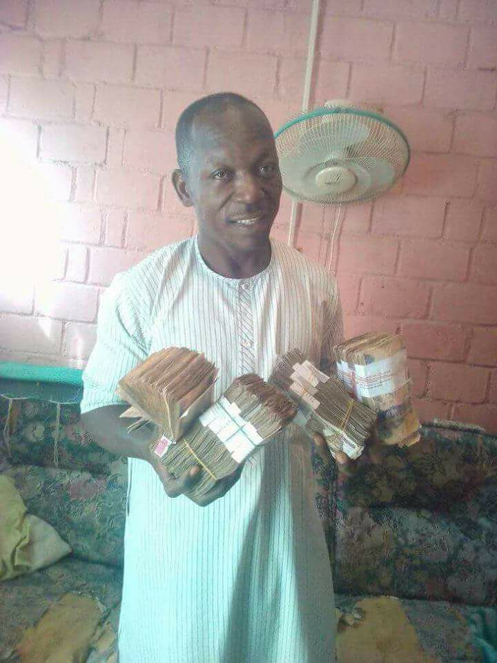 Farmer makes over One Million Naira This Week, Hails President Buhari