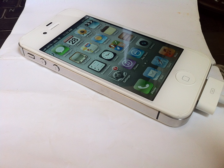 used iphone 4s unlocked white iphone 4s 64gb 115k sold technology 2926