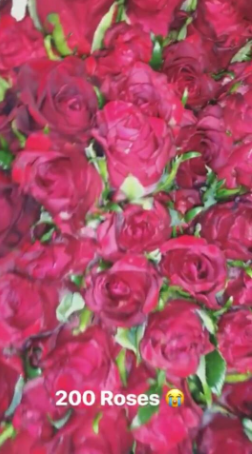 Temi Otedola Shows Off The 200 Roses She Got From Her Boyfriend, Mr Eazi For Val
