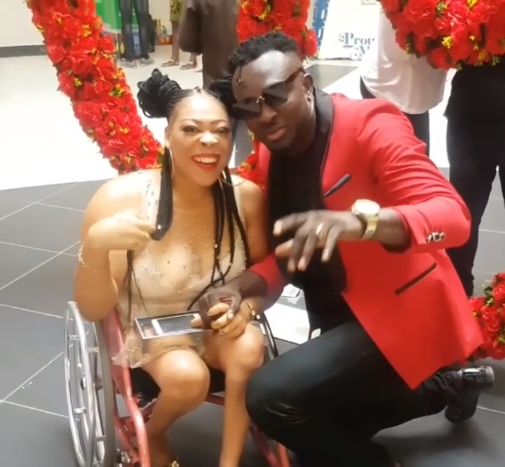6704396_screenshot2_jpeg1190646d7dad52a810e9b533aff0f04e Singer Dezign Melts Hearts As He Steps Out With His Special Val (Video,Photos)