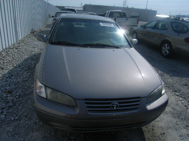 1998 toyota camry tiny light tok for 900k price. Black Bedroom Furniture Sets. Home Design Ideas