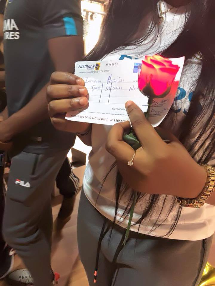 Man Engages Girlfriend With N2 Million Cheque & Diamond Ring (Photos) 6931610_filko4_jpeg385bab1eb3be849d2caf19317324be91