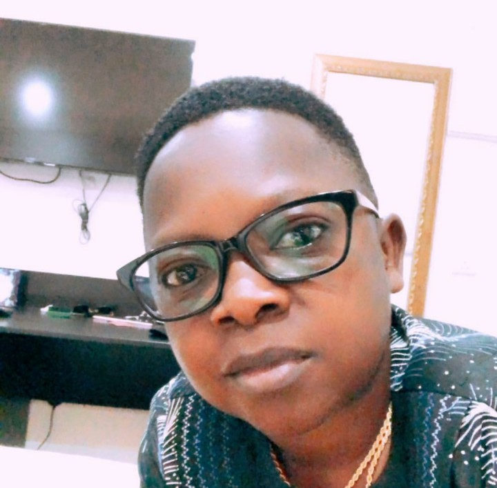 Chinedu Ikedieze, Aki, Defends Nude Mother And Her Baby