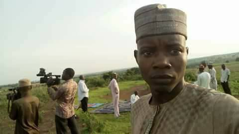 Ramadan: Photos Of Muslims Trying To Sight The Moon Today In Kaduna
