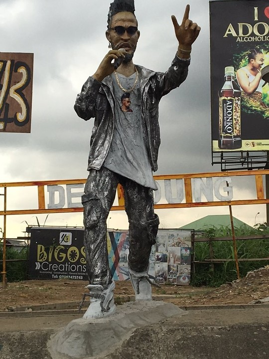 One Word for this Phyno Statue in Eleme Junction