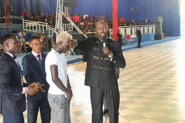 Apostle Suleman Gives Tonye Solomon Deeboi N500K After Performing In His Church
