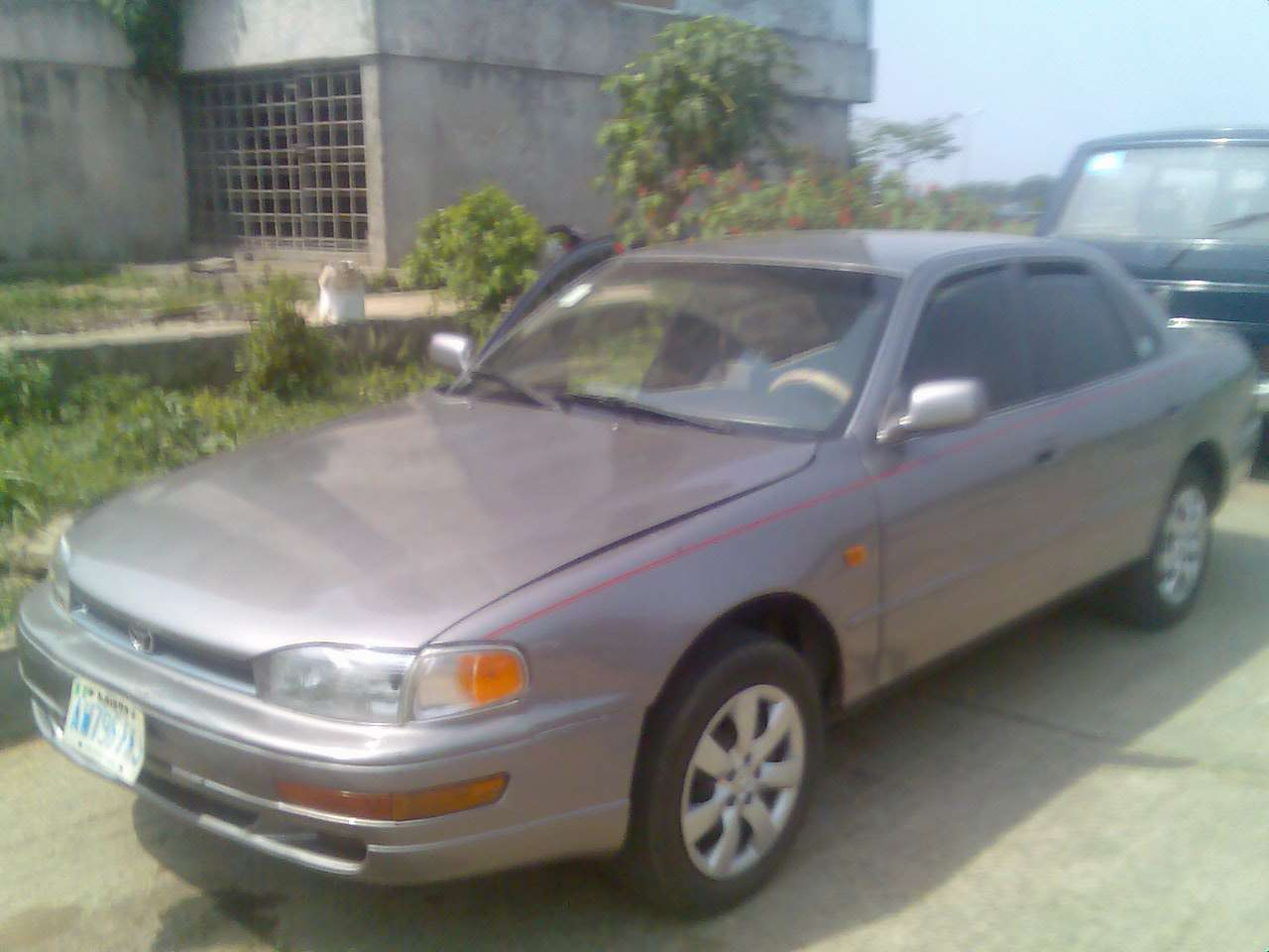 1996 toyota camry for sale(nigerian used).going for 580k only