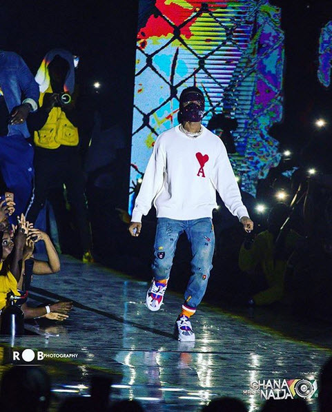 7242670 20180611035737 jpeg718646bbb999562d1294d67ad581499a - Photos: Wizkid Performed With Face Mask At Ghana Meets Naija
