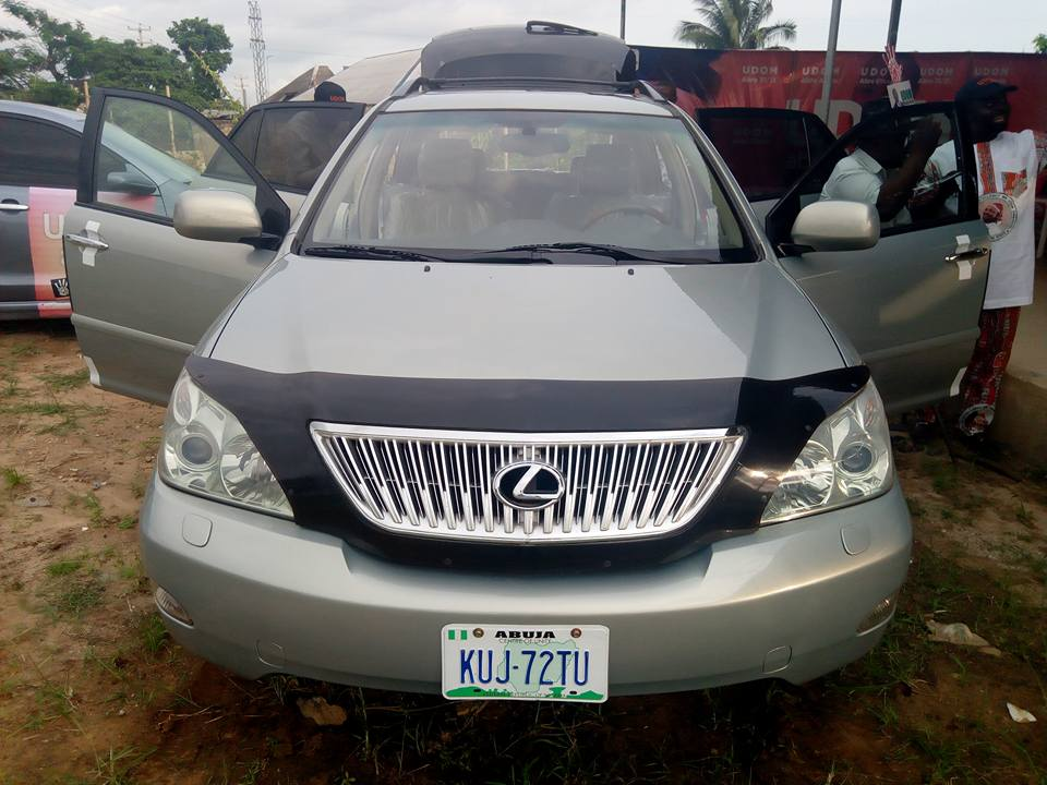 Governor Presents Lexus SUV To Physically Challenged Man (Photos)