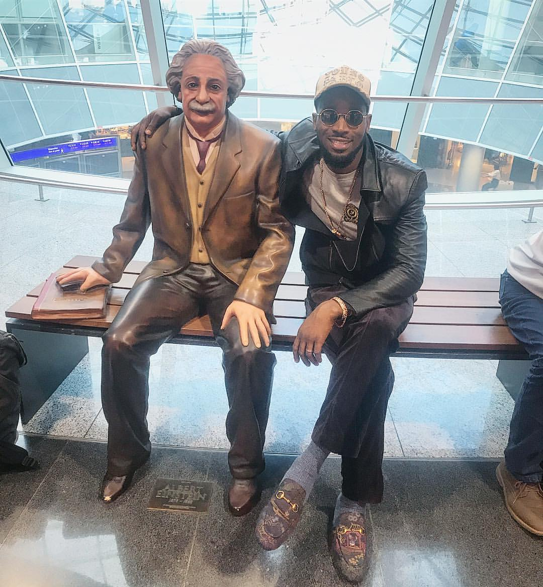 PHOTOS!!!:  D'banj Poses With Albert Einstein Statue