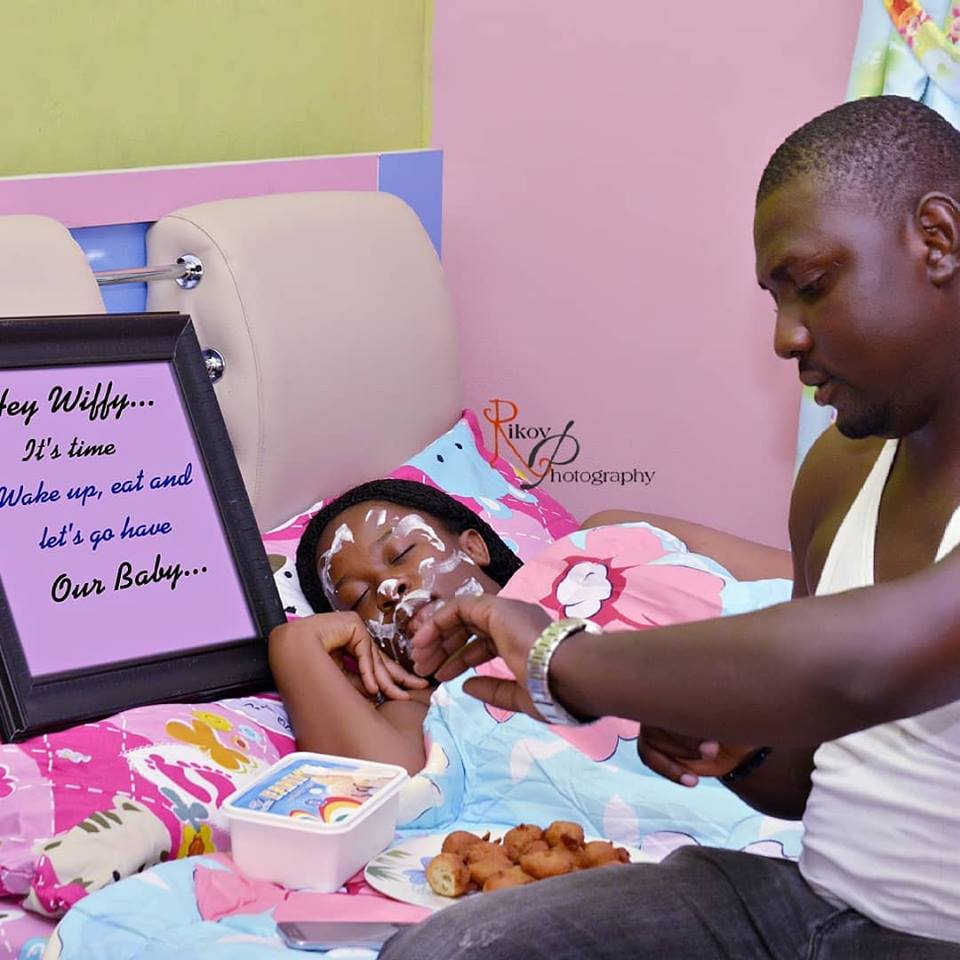 [Photos]How To Live With A Pregnant Wife: See How These Husbands Did It