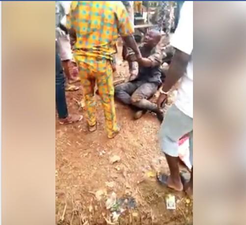 Angry Youths Beat Customs Officer Mercilessly In Lagos Over Man's Death (Photos)