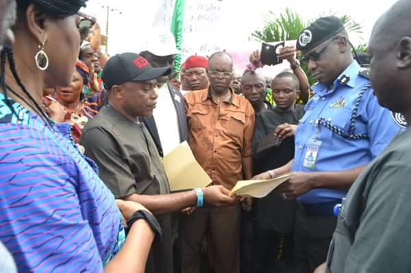 PHOTOS !!!:  Protest In Imo By PDP Over Attack On Fayose By Security Officials