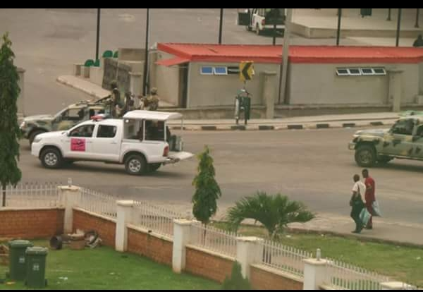 'Don't Let Fayose Die': Fayose's Brother Cries As Security Surround Ekiti Govt. House