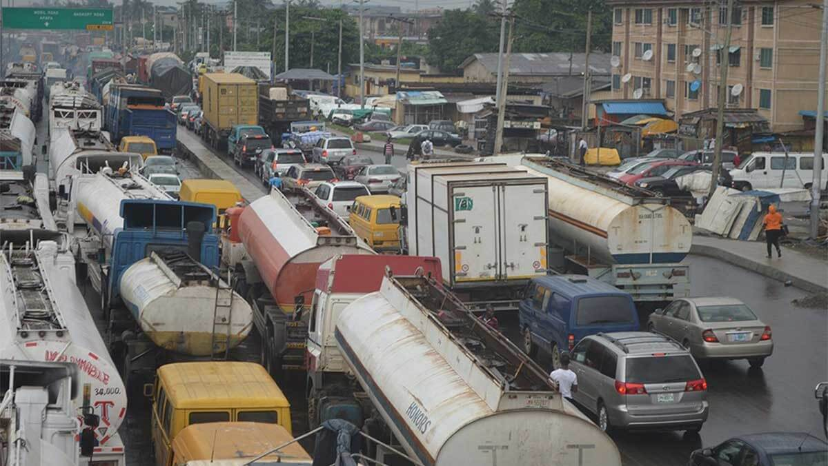Osinbajo Orders 72-hour Joint Operation To Clear Apapa Gridlock Traffic