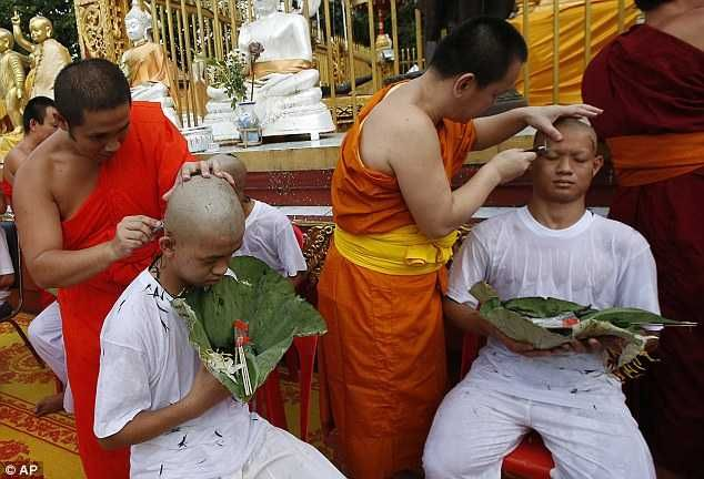 Thai Boys Rescued From Cave Ordained As Buddhist Monks ...