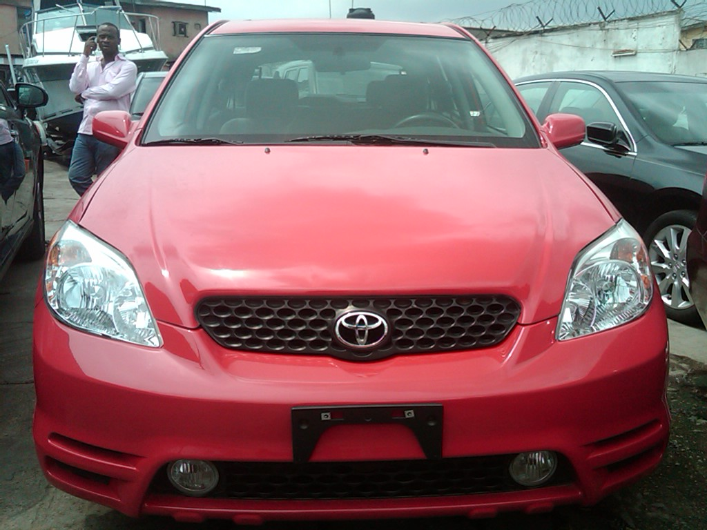 an xtremly clean toks 2003 toyota matrix for sale price 1. Black Bedroom Furniture Sets. Home Design Ideas