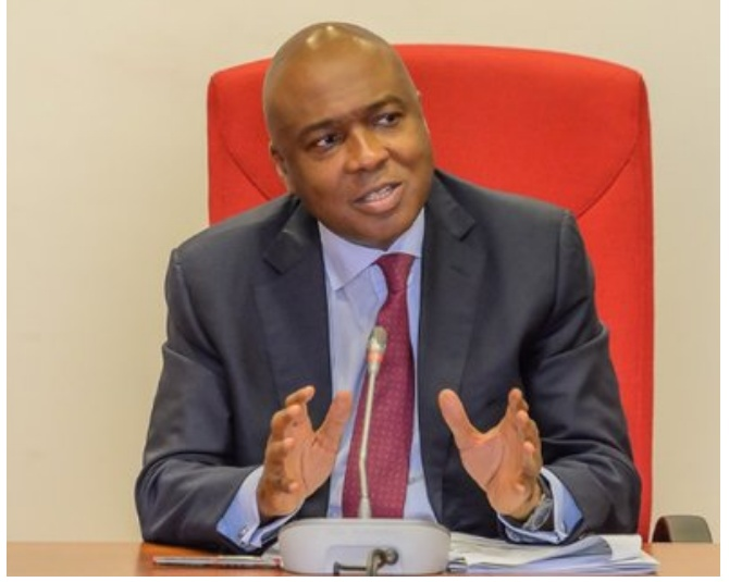 SHOCKING !!!:   Saraki Blows Hot, Fires Back At Buhari Media Organisation