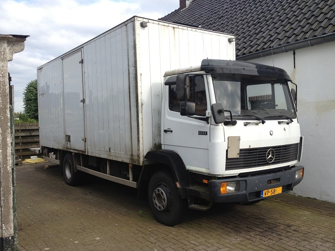 Mercedes benz 1517 container holland truck clean autos for Mercedes benz truck for sale