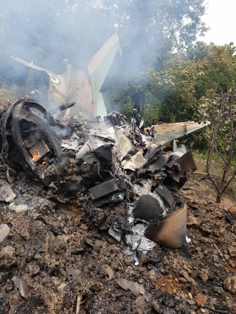 Just In: Eight Persons Feared Dead As Military Aircraft Crash-lands In Abuja