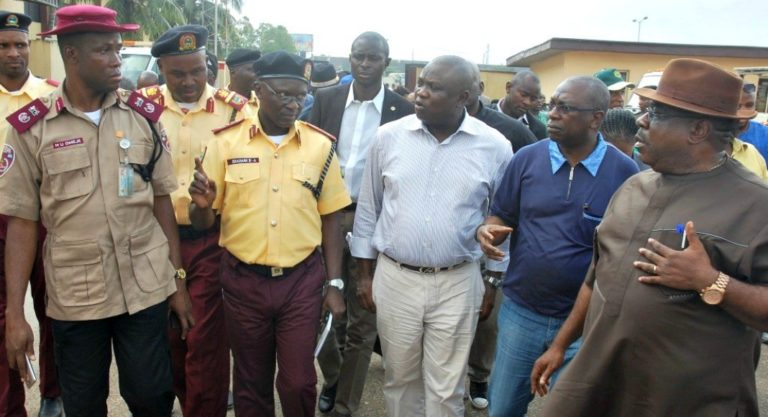 4 Policemen, 3 LASTMA Officials Arrested For Extortion