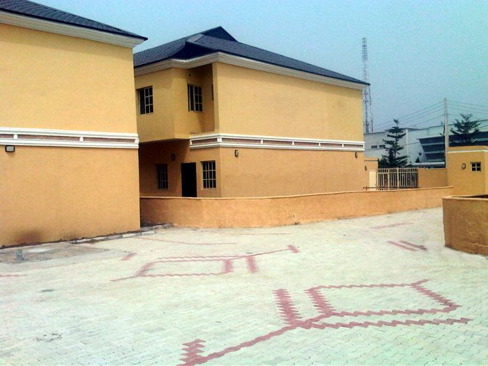 Check The Pics Of An Office Complex For Sale In Abuja Properties Nigeria