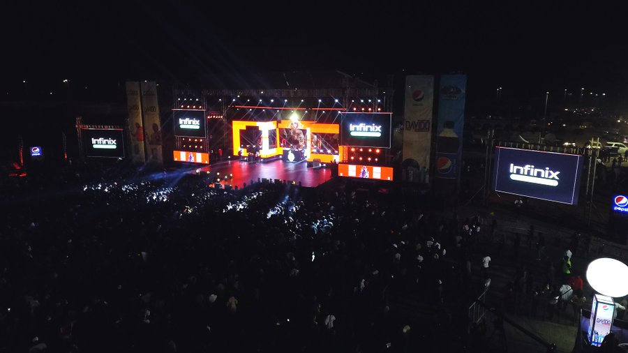 "#Davidoliveinconcert: Davido Enters The Stage From Above At His ""Live In Concert"""
