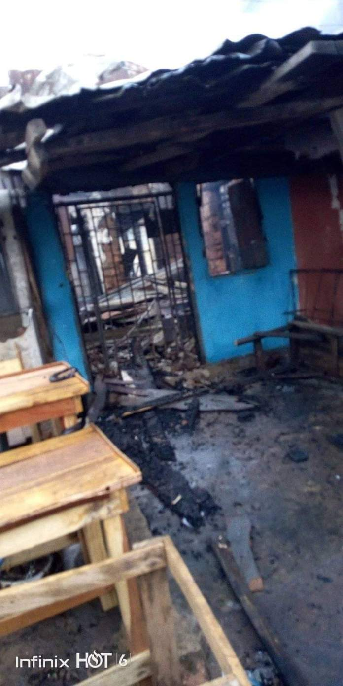 Notorious Thieves Set Building On Fire In Umuahia After Failed Attempts To Break-In(Photos) 4