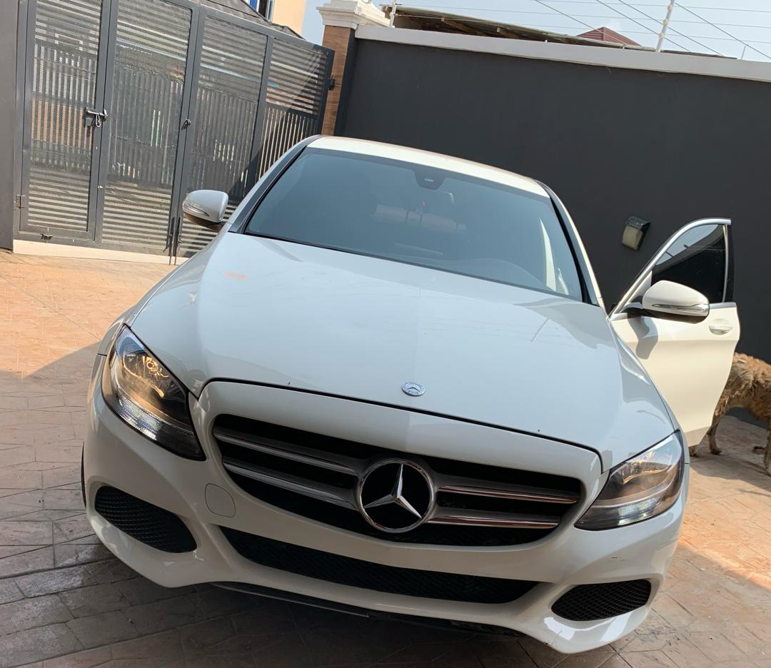 Mercedes Benz C300 2015 Low Millage