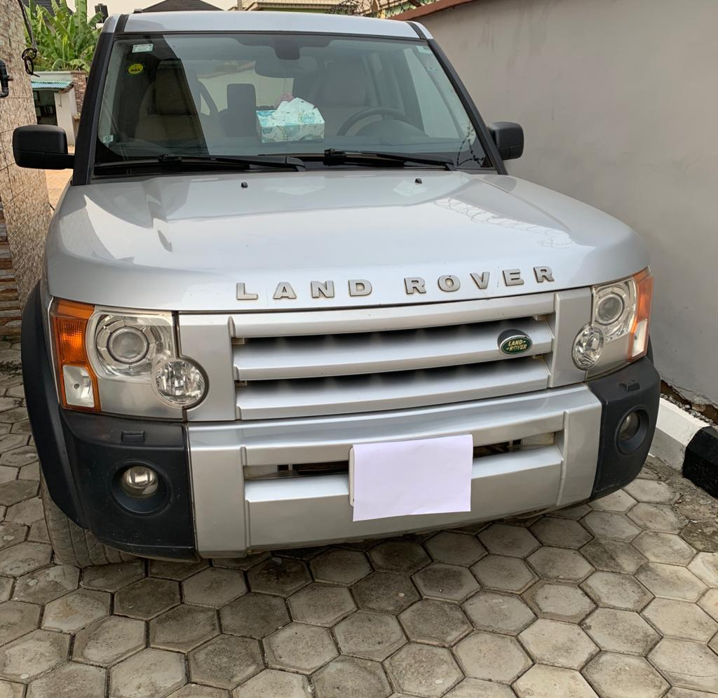 Clean Naija Used LR3 2006 Available For Sale
