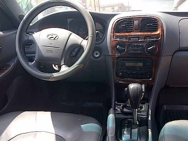 Lagos Used Clean Hyundai Sonata 2000 Excellent Condition