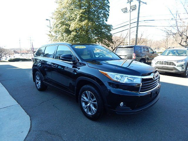 2015 toyota highlander many to choose from autos nigeria. Black Bedroom Furniture Sets. Home Design Ideas
