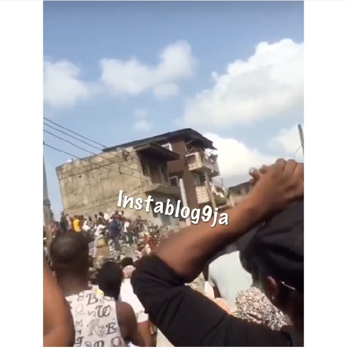 Many Pupils Dead, Over 100 Trapped As School Building Collapses In Lagos (VIDEO)