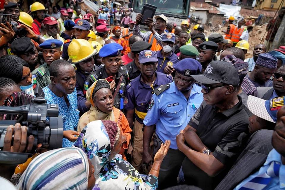 Lagos Building Collapse: Babajide Sanwo-Olu All Smiles With A Girl Who Survived (PHOTO)
