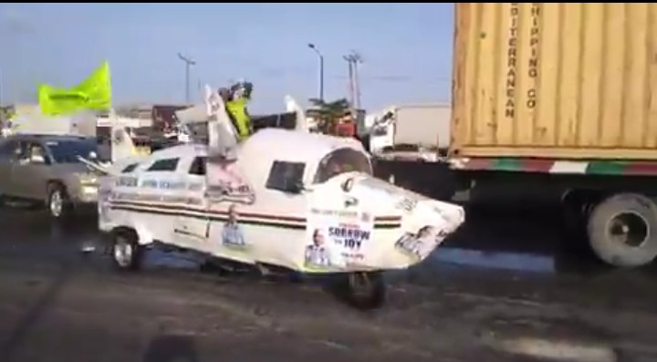Lord's Chosen Members Spotted Using Customized Airplane-Car To Evangelize In Lagos