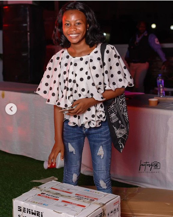 Controversial Blogger, Blessing Okoro Gift A Lady Generator At Her 30th Birthday 3