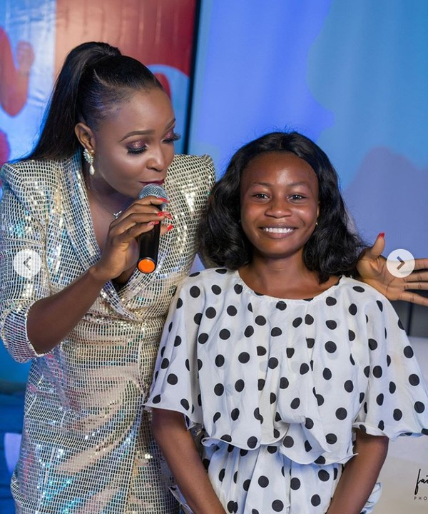 Controversial Blogger, Blessing Okoro Gift A Lady Generator At Her 30th Birthday 2