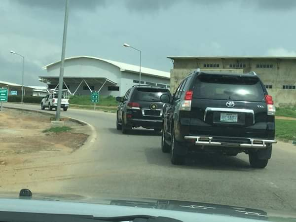 Leadership By Example: Gov Emeka Ihedioha Pictured Travelling With Only 3 Convoys 2