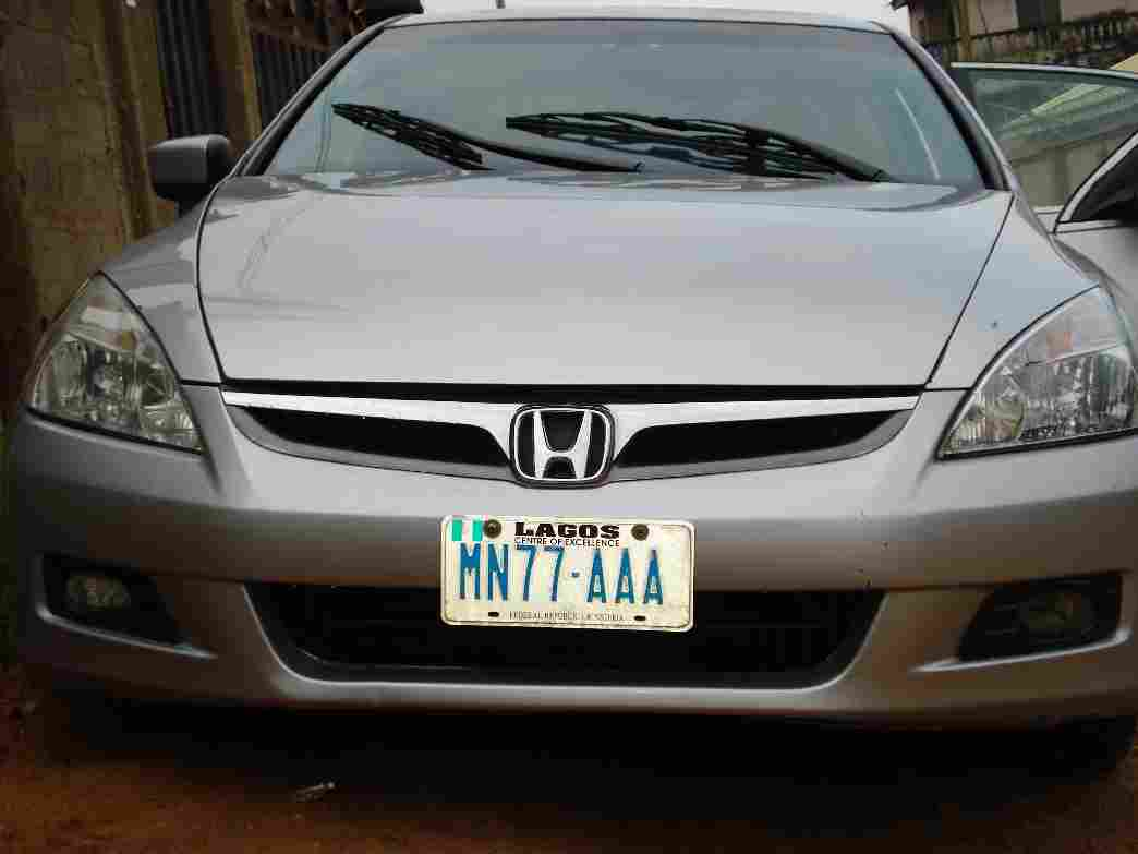 2006 honda accord fully loaded at a give away price. Black Bedroom Furniture Sets. Home Design Ideas