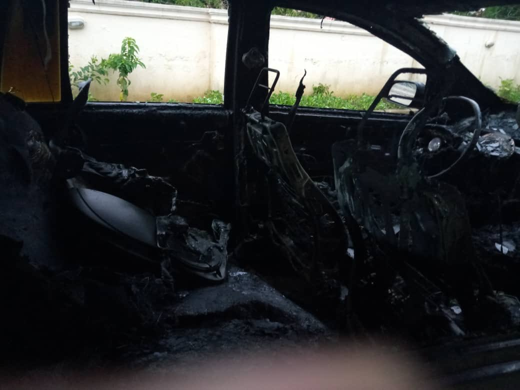 Photos: See What Thunder Did To A Lady's Car In Abuja 11