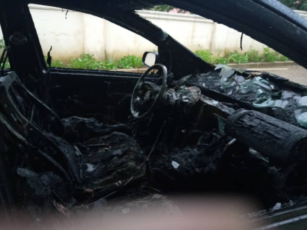 Photos: See What Thunder Did To A Lady's Car In Abuja 12