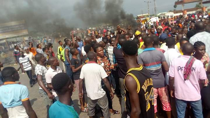 Photos: Bloody Clash Between Fulani And Benin Youths Averted By Police 2