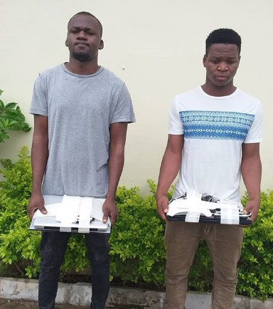 EFCC Arrest Two Internet Fraudsters In Kaduna [Photos]