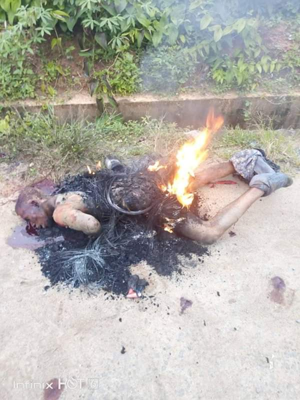 Disturbing Photo: Suspected Phone Thief Burnt To Death In Akwa Ibom