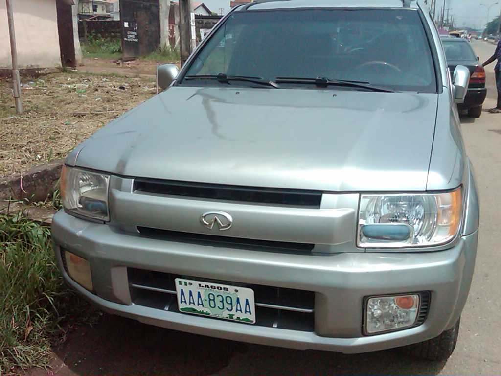 2001 infiniti qx4 registered for sale super clean and cheap autos nigeria. Black Bedroom Furniture Sets. Home Design Ideas